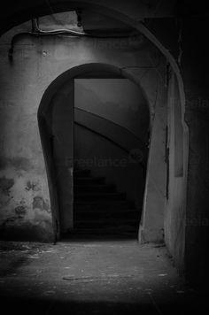 Gloomy entrance. #entrance #gloomy #horror #nightmare #free #freelancediscount