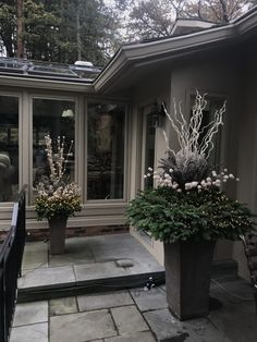 25 Beautiful Small Winter Planters for Your Home Decoration Christmas Urns, Christmas Planters, Outdoor Christmas Decorations, Christmas Home, Holiday Decor, Christmas Flowers, Christmas Centerpieces, White Planters, Outdoor Planters