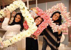Bloemen feestje inspiratie: bloemen fotolijstjes. Ook erg leuk om met een kinderfeestje met de lijsten leuke foto`s te maken
