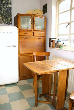 kitchen dresser,love the floor - surprising how great the bare wood looks Eclectic Kitchen Decor, Interior, Home, 1930s Decor, Eclectic Kitchen, Freestanding Kitchen, New Homes, Home Kitchens, 1930s House