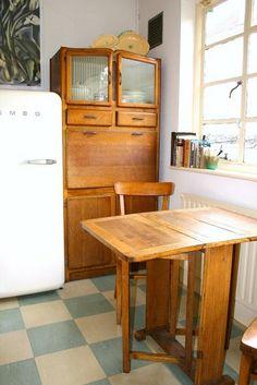 1930s kitchen dresser,love the floor