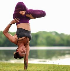 Upside down in The Explore Bra #yoga #inspiration #aloyoga