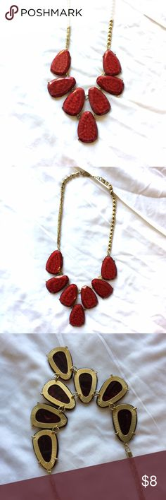❤️ red fashion statement necklace This necklace is in excellent condition; large red fashion stones set in gold. Great statement piece! Jewelry Necklaces