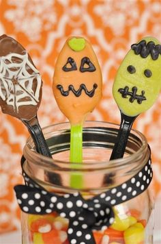 Halloween Chocolate Spoons @yourhomebasedmom.com