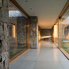 Confira os projetos de esquadrias já realizados pela Ulimax. Windows, Doors, Hallways, Home Decor, Storage, You Are Special, Varnishes, Interiors, Houses