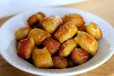 Homemade Soft Pretzel Bites: I will be modifying my current recipe to look more like these. Much more snack-able! Appetizer Recipes, Snack Recipes, Cooking Recipes, Snacks, Appetizers, Pretzel Recipes, Cooking Tips, Great Recipes, Favorite Recipes