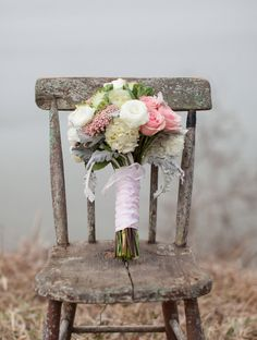 Soft pinks, greens, and white make the perfect vintage wedding bouquet.