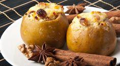Печеные яблоки с творогом и орехами