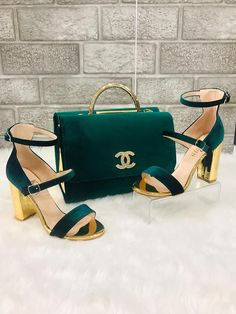 For some women, buying a genuine designer bag just isn't something to rush straight into. Because these handbags can be so high priced, women in some cases worry over their decisions prior to making an actual purse purchase. Gucci Handbags Vintage, Burberry Handbags, Burberry Bags, Fashion Handbags, Fashion Bags, Fashion Shoes, Women's Handbags, Designer Handbags, Cheap Purses