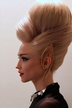 Masterfully Modern French Twist, for The Blonds Runway Show, SS Editorial Hair. Creative Hairstyles, Up Hairstyles, Protective Hairstyles, Vintage Hairstyles, Chignon Volume, Uniq One Revlon, Avant Garde Hair, No Bad Days, Editorial Hair