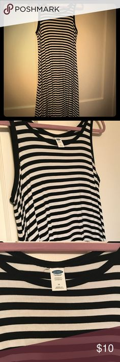 Black and white striped maternity dress Sleeveless black and white dress from old navy. Maternity sized M fits like a large or xl. Old Navy Dresses