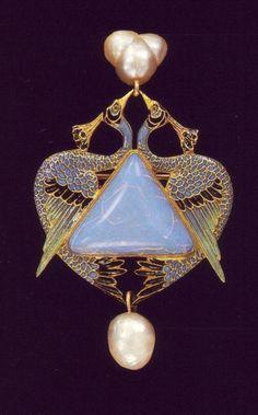 Jewelry / René Lalique of Art Nouveau Jewelry