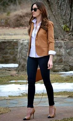 32 Trendy Business Casual Work Outfits Women, If you've been wearing the identical hairstyle for a couple decades, it's time to modify. Even though there are many different blouse styles readily a. Fall Outfits For Work, Casual Work Outfits, Professional Outfits, Mode Outfits, Work Casual, Casual Pants, Casual Clothes, Casual Chic, Professional Women
