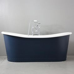 The Hexham Vintage Designer Pedestal Hale Blue Exterior Cast Iron French Bateau Beth Tub Package