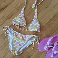 Vic secret bikini xs top sm bottom Vic sec bikini sz xs top and sz sm bottom. Victoria's Secret Swim Bikinis
