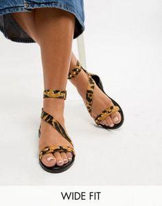 d6d822b166343 New Look Wide Fit Leather Leopard Stud Stap Flat Sandal