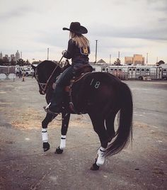 You can find Rodeo life and more on our website. Cowgirl And Horse, Horse Love, Horse Girl, Cowgirl Style, Rodeo Cowgirl, Barrel Racing Horses, Barrel Horse, Western Photography, Equine Photography
