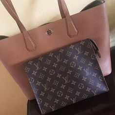 Order for replica handbag and replica Louis Vuitton shoes of most luxurious designers. Sellers of replica Louis Vuitton belts, replica Louis Vuitton bags, Store for replica Louis Vuitton hats. Lv Handbags, Louis Vuitton Handbags, Louis Vuitton Monogram, I Love Fashion, Editorial Fashion, Bag Accessories, Purses, Pattern, Stuff To Buy