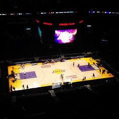 Two hours until tip - @lakers- #webstagram