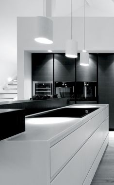 Black and white - modern kitchen design, which scores with contrasts. // Black and white - modernes Küchen-Design, welches durch Kontraste punktet. Interior Design Minimalist, Modern Kitchen Design, Interior Design Kitchen, Interior Office, Modern Design, Modern Kitchen Lighting, Grey Kitchen Designs, Apartment Interior, Room Interior