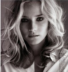 // diane kruger - short wavy hair