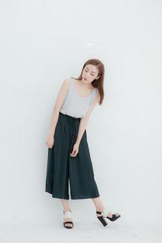 【搭配】谁说女孩要穿裙子才好看?这样的 [裤子个性穿搭]也可以让你变女神!