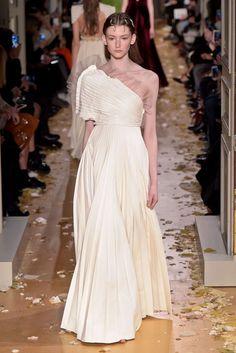 Valentino Spring 2016 Couture Photo by GIovanni Giannoni