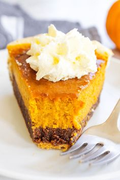 PUMPKIN FUDGE PIE –