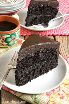 Nanny's Black Midnight Cake – A Family Feast ® Nanny's Black Midnight Cake Nanny's Black Midnight Cake – A delicious black midnight chocolate cake – an old family recipe that has been passed down through generations! Dark Chocolate Cakes, Best Chocolate, Homemade Chocolate, Chocolate Desserts, Chocolate Ganache, Chocolate Cheesecake, Chocolate Dipped, Mini Cakes, Cupcake Cakes