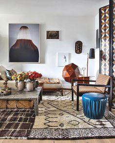 Tour Hubert Zandberg's Treasure-Filled London Flat - Galerie Eclectic Living Room, Living Room Interior, Living Room Designs, Living Room Decor, Living Rooms, Interior Livingroom, Interior Desing, Interior Styling, Interior Inspiration
