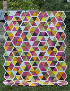 """Swiss chard quilt by Lynn of The Little Red Hen, pattern from Elizabeth Hartman's """"Modern Patchwork"""" book. Batik Quilts, Scrappy Quilts, Quilting Projects, Sewing Projects, Quilting Ideas, Elizabeth Hartman Quilts, Little Red Hen, Art Textile, Hexagon Quilt"""