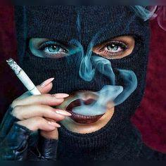 I don't smoke but I love this ! Arte Dope, Dope Art, Women Smoking, Girl Smoking, Gangster Girl, Creation Art, Mask Girl, Bad Girl Aesthetic, Foto Instagram