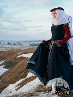 """Шерстяное средневековое платье """"Красные рукава"""""""