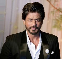 For a few weeks, the yet untitled Shah Rukh Khan-Anushka Sharma starrer was to be a solo release around Independence Day but now it seems it won't be. In fact, looks like there will be three films in that spot…Read more ›