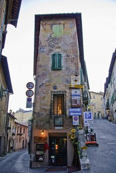 Montepulciano is a medieval and Renaissance hill town in the Italian province of Siena in southern Tuscany.-->one of my favorites
