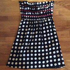 Judith March polka dot strapless dress Super cute dress with tiered gathered strapless top. It has a lined skirt and back zipper. Barely worn. Judith March Dresses Strapless