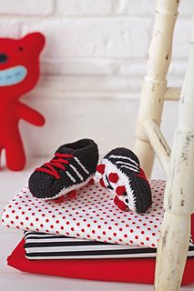 Adorable! Crochet football boot slippers for baby. Pattern available on Ravelry. From Simply Crochet issue 19.