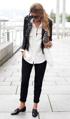 Office Look With A Black Biker Jacket - Outfits Street Style Outfits, Look Street Style, Comfy Fall Outfits, Casual Outfits, Women's Fashion Dresses, Work Outfits, Sweater Outfits, Emo Outfits, Spring Outfits