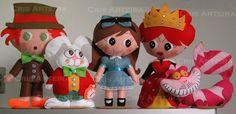 Bonecos Alice no País das Maravilhas confeccionados em feltro.  Altura dos bonecos varia entre 18 e 30 cm.  A Alice pode ser feita tanto morena qto loira. R$ 240,00