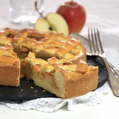 Try this classic apple cake recipe! It tastes wonderful served warm with cold vanilla ice cream or vanilla quark. Apple Cake Recipes, Eat Smart, Cake Tins, Vanilla Ice Cream, Cinnamon Apples, Cornbread, Protein, Food Porn, Baking