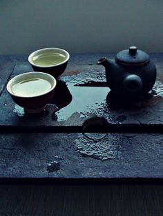 early sunset - poetry in tea / blog. .... peace in the stillness, the light and shadow.... a mood created for me in this photo. The art of tea.