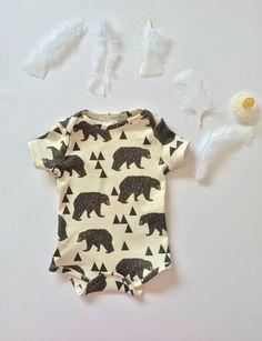 Organic baby onesie, baby bodysuit, baby clothes, organic baby, baby boy, baby girl, baby gift, baby shower, newborn, natural