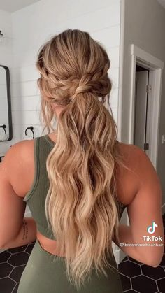 Hairdo For Long Hair, Easy Hairstyles For Long Hair, Hairstyles For Picture Day, Long Hair Mohawk, Long Straight Hairstyles, Casual Updos For Long Hair, Messy Ponytail Hairstyles, Low Ponytails, Easy Wedding Guest Hairstyles