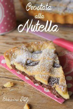 Crostata alla Nutella,morbida e molto gustosa - Dolcissima Stefy Just Desserts, Delicious Desserts, Dessert Recipes, Crostata Recipe, Chocolates, Jam Tarts, Sicilian Recipes, Coffee Dessert, Sweet Tarts