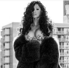 black women curves no pasta B Fashion, Black Girl Fashion, Cardi B Quotes, Cardi B Pics, Doja Cat, Hip Hop Outfits, Beautiful Black Women, Curvy, Hair Beauty
