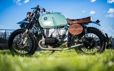 Giardinetta by Luis Moto Tracker Motorcycle, Scrambler Motorcycle, Bmw Motorcycles, Bmw Cafe Racer, Cafe Racers, Cafe Racer Magazine, Vintage Helmet, Scrambler Custom, Ducati