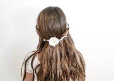 Peinado de Primera Comunión con pelo suelto #peinadosdeprimeracomunión #peinadosparaniñas #tutorialpeinados
