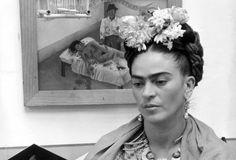 """Frida Kahlo Meksika ressamlarının en büyüğüdür.  Geleceğin dünyası için sahip olduğu değeri ölçmek mümkün değildir."""""""
