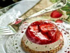 Strawberry Lemon Basil Frozen Tort