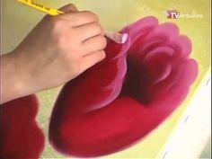 Durante a feira Mega Artesanal/2013, o artista plástico Mauro Martins de Fortaleza, ensina a fazer uma linda tela de pintura em 3D com o tema Tulipas. Segue contato do artista: Mauro Martins de Fortaleza-CE Email: mauroartes@hotmail.com Fones: (85) 3478